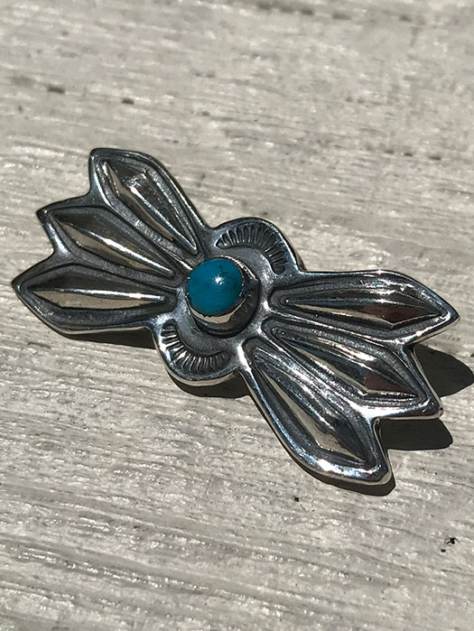 LONE WOLF BUTTERFLY PIN (TURQUOISE) 【S】