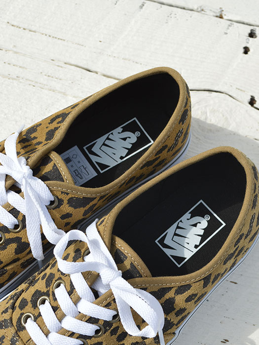 Authentic (LEOPARD SUEDE)