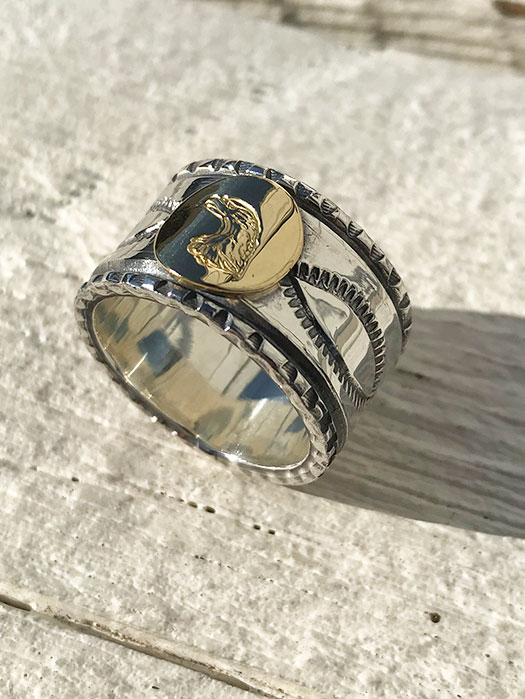 18K POINT STAMP RING